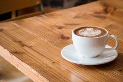מדוע הצמיחה בשוק ההסעדה אינה מגיעה לשוק בתי הקפה?